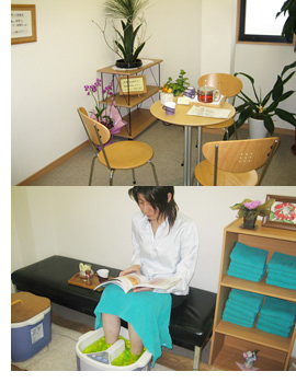癒しのリフレルームで健康茶サービス!足湯も併設